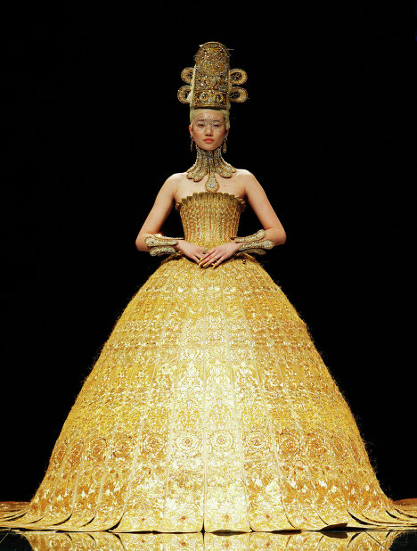 guo pei magnificent gold dress